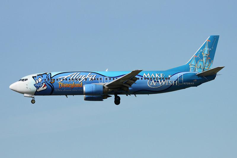 """N706AS Boeing 737-490 c/n 28894 Vancouver/CYVR/YVR 29-04-14 """"Disneyland - Make a wish"""""""