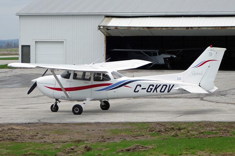 C-GKOV Cessna 172R c/n 172-80895 Burlington Airpark/CZBA 03-05-14