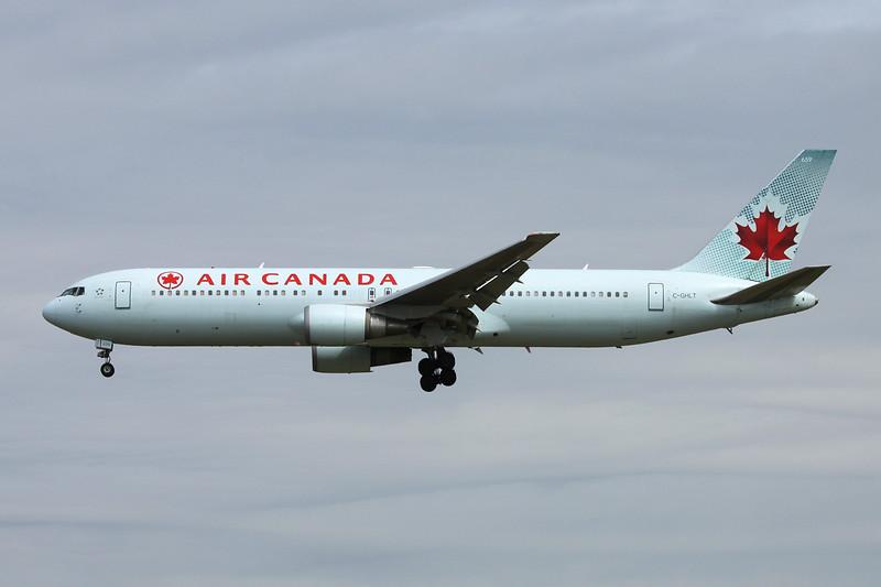 C-GHLT Boeing 767-333ER c/n 30850 Vancouver/CYVR/YVR 29-04-14