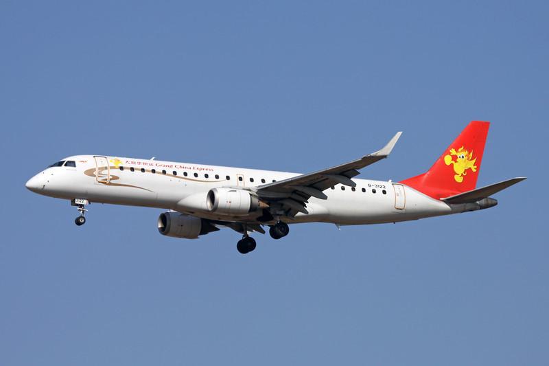 """B-3122 Embraer Emb-190-100LR c/n 19000186 Xi'an/ZLXY/XIY 11-11-12 """"Grand China Express"""" titles"""
