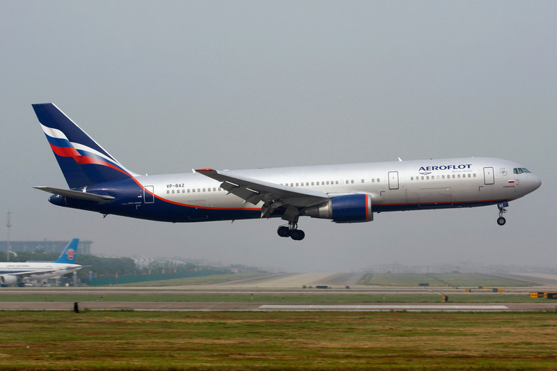 VP-BAZ Boeing 767-36NER c/n 30111 Guangzhou/ZGGG/CAN 14-11-12