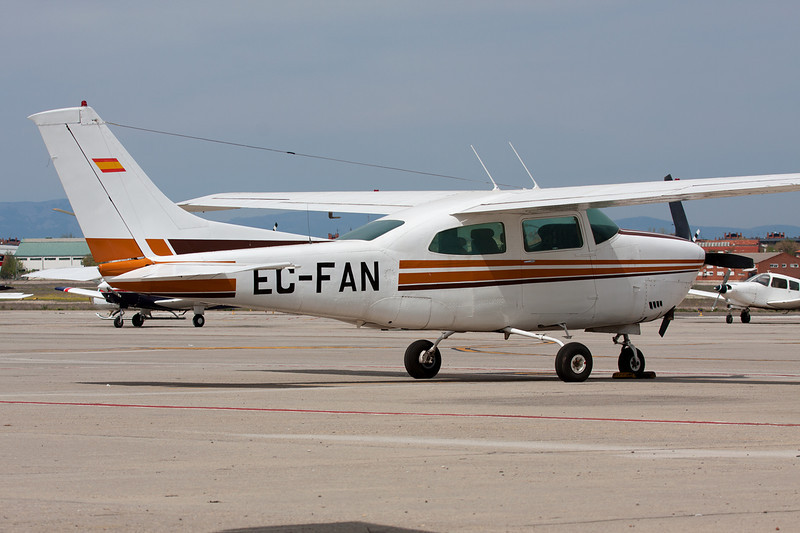 EC-FAN CessnaT.210M Turbo Centurion c/n 210-62564 Cuatro Vientos/LECU 06-04-08