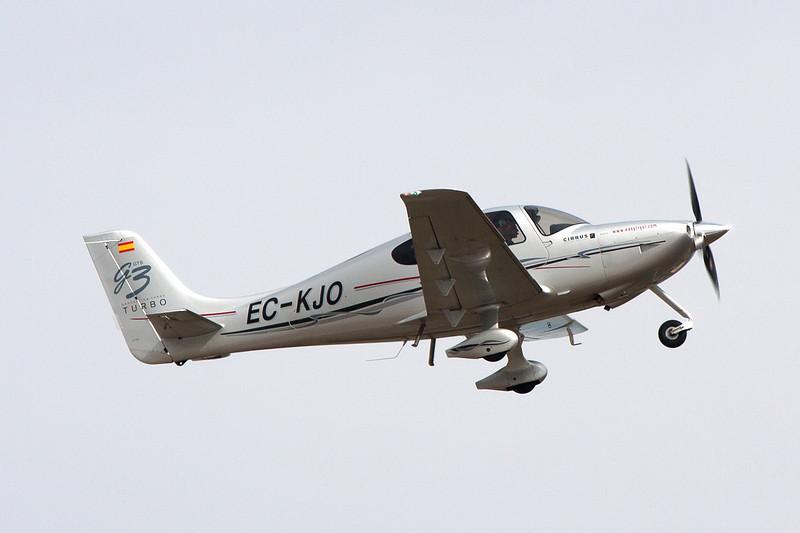 EC-KJO Cirrus Design SR-22 c/n 2558 Cuatro Vientos/LECU 06-04-08