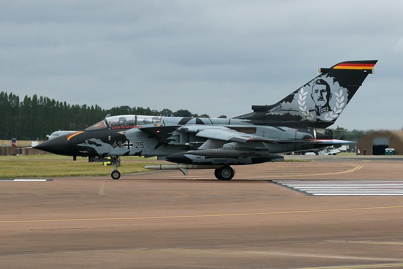 """43+25 BAe/Panavia Tornado IDS """"German Air Force"""" c/n GS008 Fairford/EGVA/FFD 22-07-19 """"Tiger"""""""