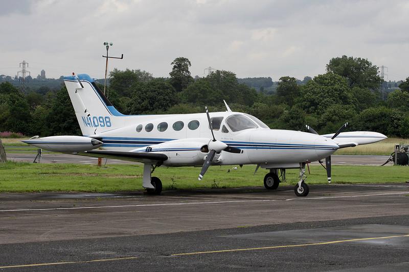 N41098 Cessna 421B Golden Eagle c/n 421B-0048 Elstree/EGTR/ETR 18-07-11