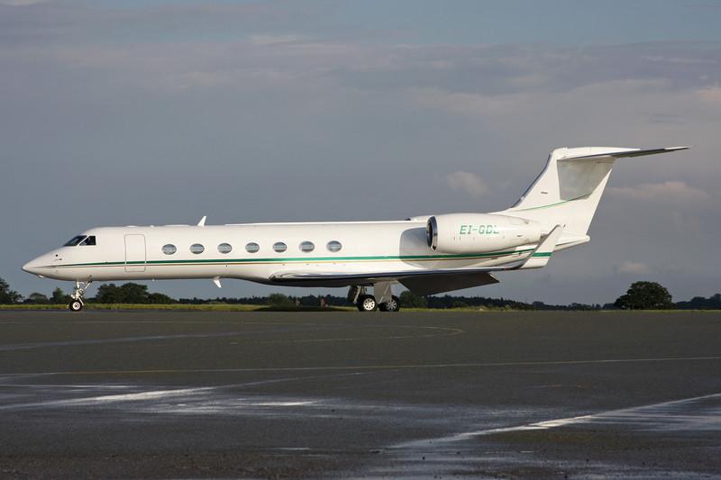 EI-GDL Gulfstream G550 c/n 5068 Luton/EGGW/LTN 08-07-12