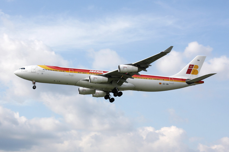 EC-IIH Airbus A340-313X c/n 483 Heathrow/EGLL/LHR 05-07-12
