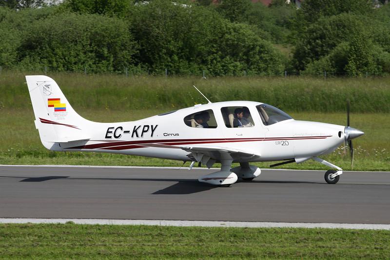 EC-KPY Cirrus Design SR-20 c/n 1151 Besancon-La Veze/LFQM/QBQ 08-06-13