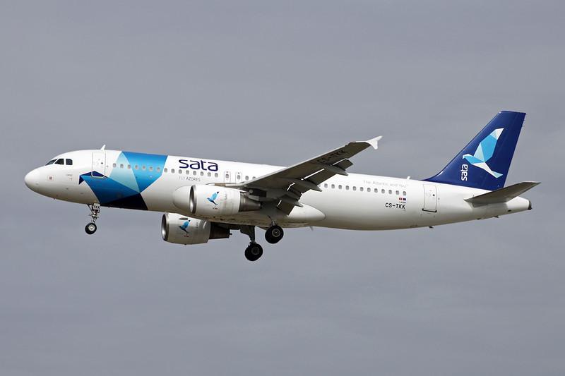 "CS-TKK Airbus A320-214 ""SATA International"" c/n 2390 Frankfurt/EDDF/FRA 14-04-13"