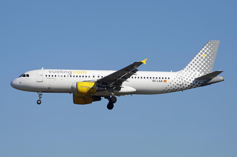 EC-LAA Airbus A320-214 c/n 2678 Frankfurt/EDDF/FRA 15-04-13