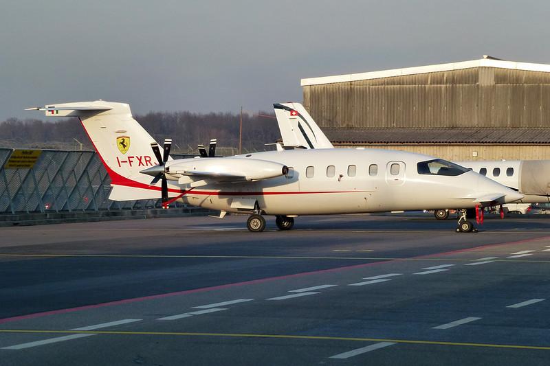 I-FXRJ Piaggio P-180 Avanti II c/n 1178 Geneva/LSGG/GVA 18-01-12