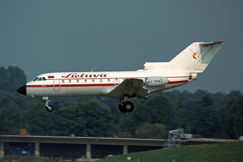 "LY-AAY Yakovlev Yak-40K ""Air Lithuania"" c/n 9720753 Hamburg-Fuhlsbuttel/EDDH/HAM 16-09-95 (35mm slide)"