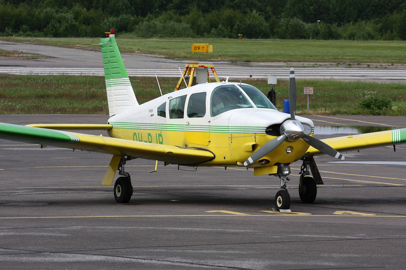 OH-PJR Piper PA-28R-200 Cherokee Arrow c/n 28R-35257 Helsinki-Malmi/EFHF/HEM 19-06-11
