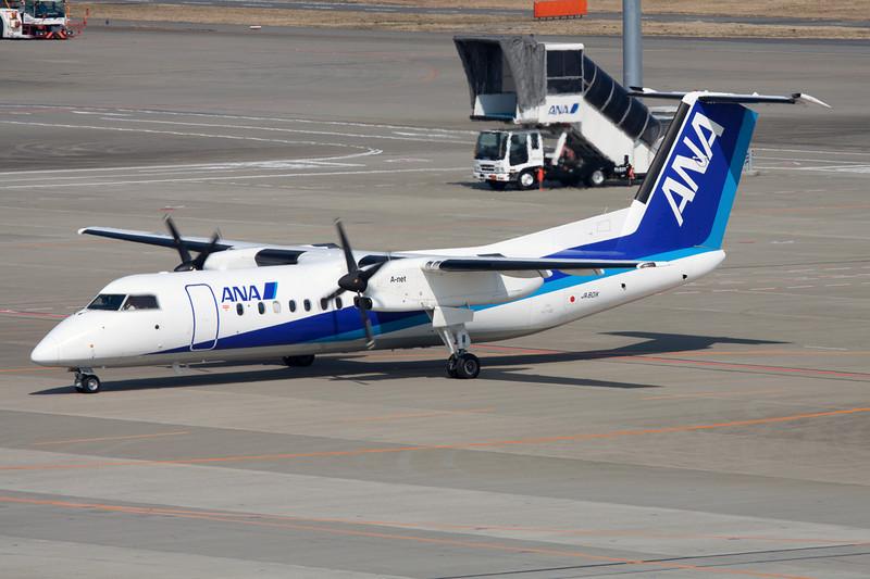 JA801K de Havilland Canada DHC-8-Q314 c/n 565 Tokyo-Haneda/RJTT/HND 26-02-11