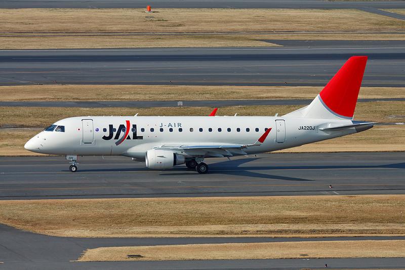 JA220J Embraer ERJ-170STD c/n 17000322 Tokyo-Haneda/RJTT/HND 26-02-11