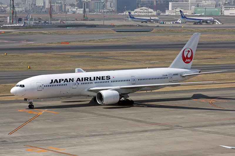 JA8982 Boeing 777-246 c/n 27365 Tokyo-Haneda/RJTT/HND 09-03-13