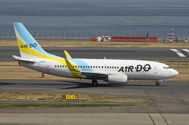 JA11AN Boeing 737-781 c/n 33882 Tokyo-Haneda/RJTT/HND 09-03-13
