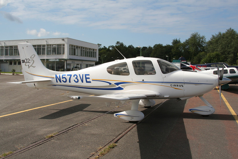 N573VE Cirrus Design SR-22G2 c/n 1078 c/n Le Touquet/LFAT/LTQ 09-09-07