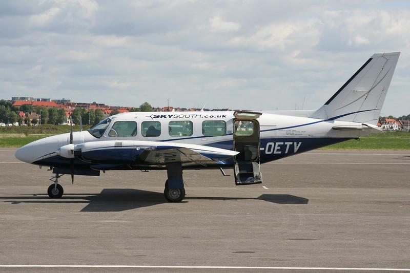 G-OETV Piper PA-31-350 Navajo Chieftain c/n 31-7852073 Le Touquet/LFAT/LTQ 09-09-07
