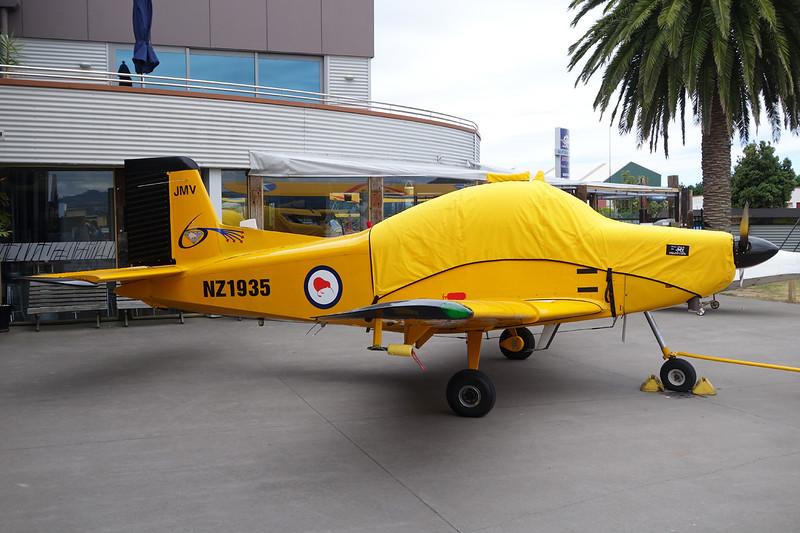 ZK-JMV (NZ1935) Pacific Aerospace CT/4B AirTrainer c/n 083 Tauranga/NZTG/TRG 27-01-15