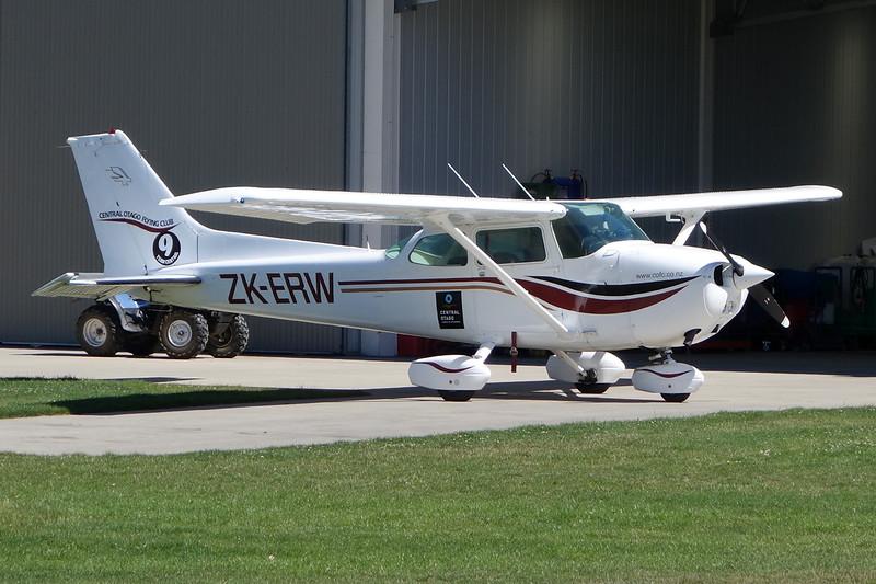 ZK-ERW Cessna 172N c/n 172-67728 Wanaka/NZWF/WKA 10-02-15