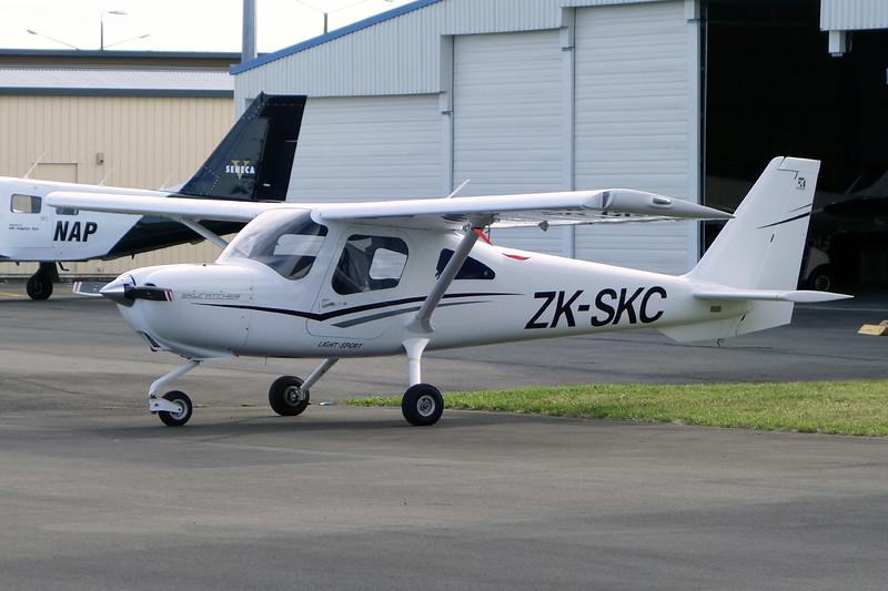 ZK-SKC Cessna 162 SkyCatcher c/n 16200172 Napier/NZNR/NPE 04-02-15