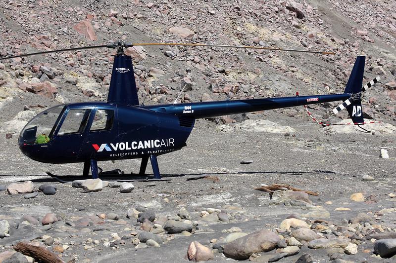 ZK-HAD Robinson R-44 Raven II c/n 11986 White Island 26-01-15