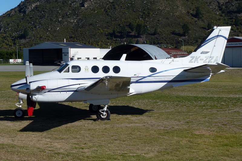 ZK-ZZA Beech C90B King Air c/n LJ-1407 Queenstown/NZQN/ZQN 29-03-12