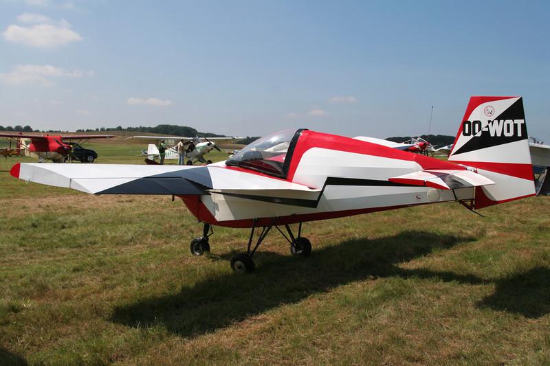 OO-WOT Tipsey T.66 Nipper II c/n 49 Schaffen-Diest/EBDT 11-08-07