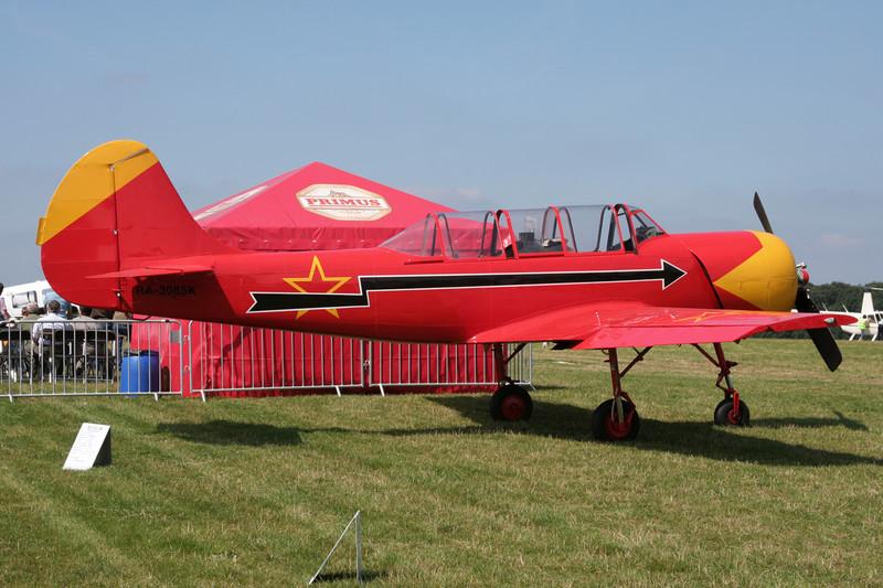 RA-3085K Yakovlev Yak-52 c/n 844007 Schaffen-Diest/EBDT 11-08-07