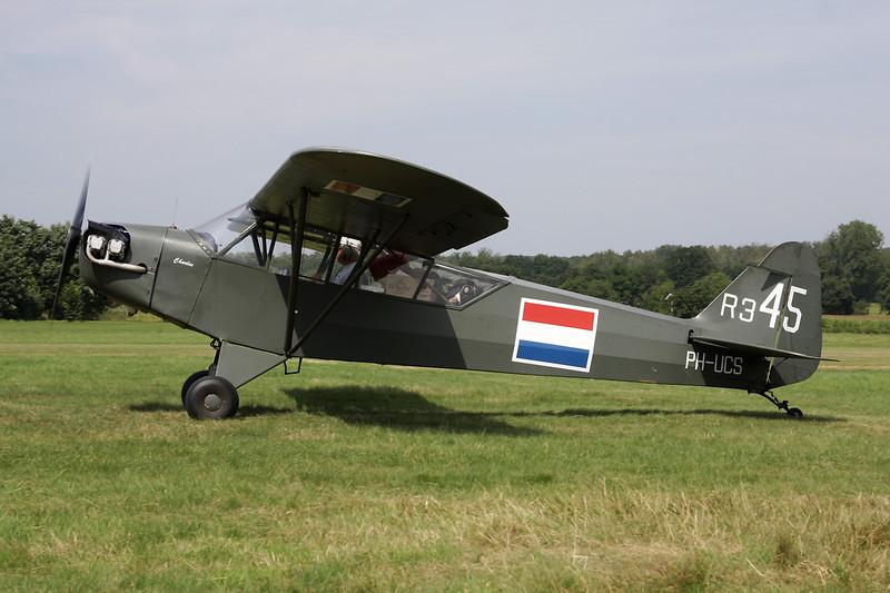 PH-UCS (R-345) Piper L-4J Grasshopper c/n 13228 Schaffen-Diest/EBDT 17-08-12