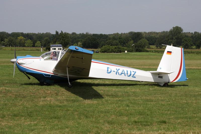 D-KAUZ Scheibe SF-25C Falke 1700 c/n 4455 Schaffen-Diest/EBDT 12-08-12