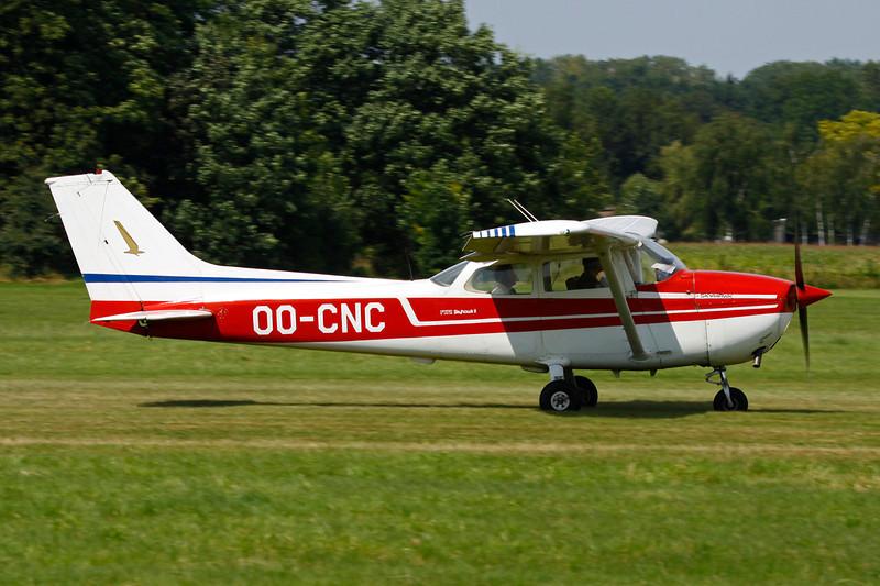 OO-CNC Reims-Cessna F.172M c/n 1440 Schaffen-Diest/EBDT 12-08-12