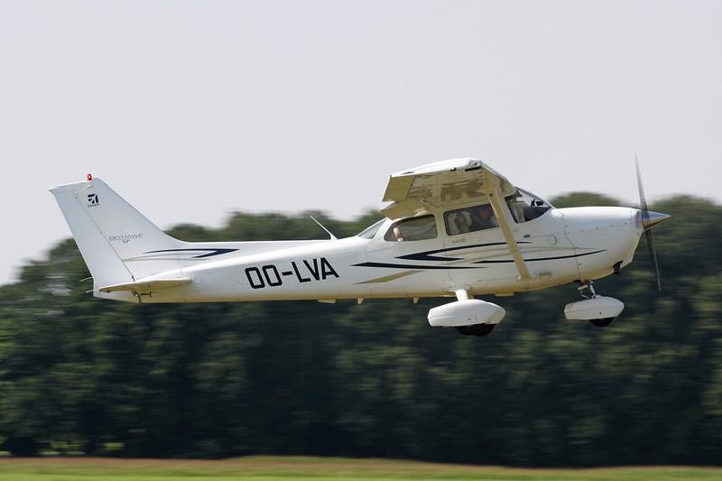 OO-LVA Cessna 172S c/n 172S-10533 Schaffen-Diest/EBDT 11-08-12