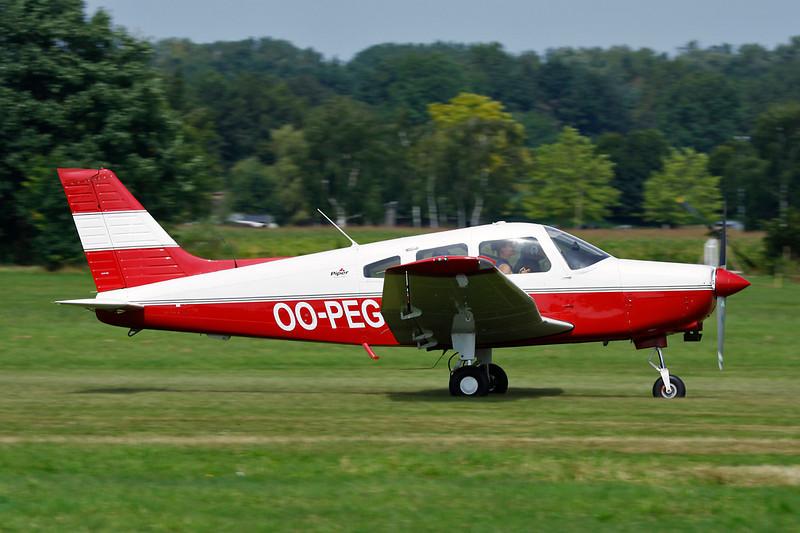 OO-PEG Piper PA-28-161 Warrior III c/n 2842281 Schaffen-Diest/EBDT 12-08-12