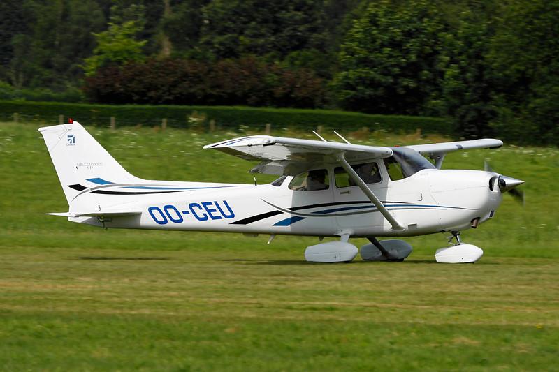 OO-CEU Cessna 172S c/n 172S-10199 Schaffen-Diest/EBDT 12-08-12