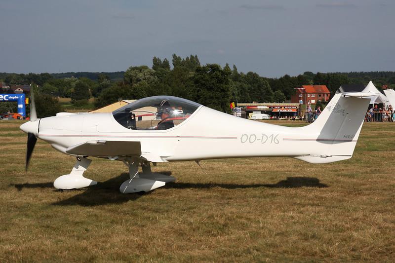 OO-D16 Dyn'Aero MCR-01 Banbi c/n 51 Schaffen-Diest/EBDT 17-08-13