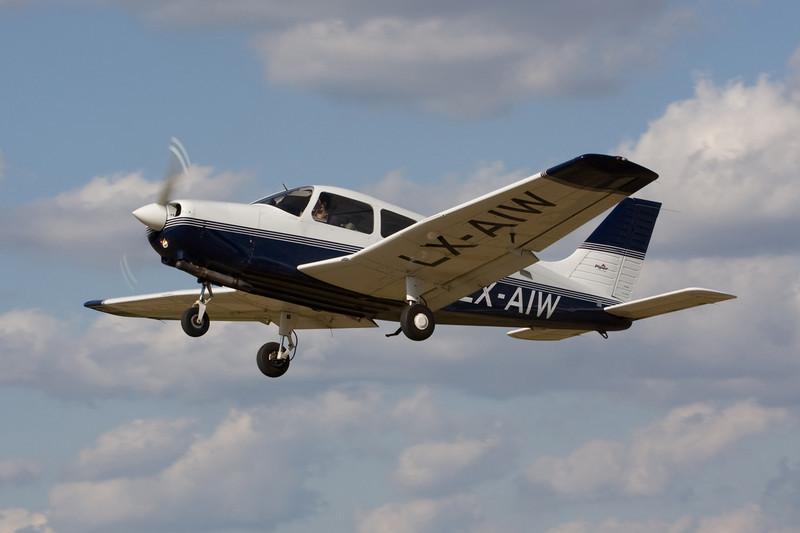 LX-AIW Piper PA-28-161 Warrior III c/n 2842153 Hasselt-Kiewit/EBZH 29-08-09