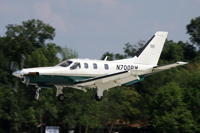 N700PW Socata TBM-700B c/n 211 Oshkosh/KOSH/OSH 26-07-10