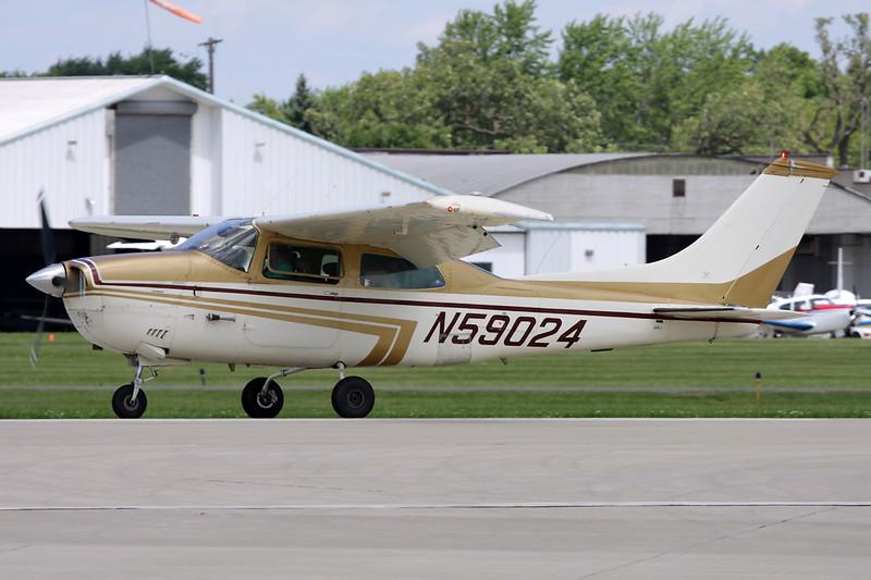 N59024 Cessna T.210L Turbo Centurion c/n 210-60030 Oshkosh/KOSH/OSH 28-07-10