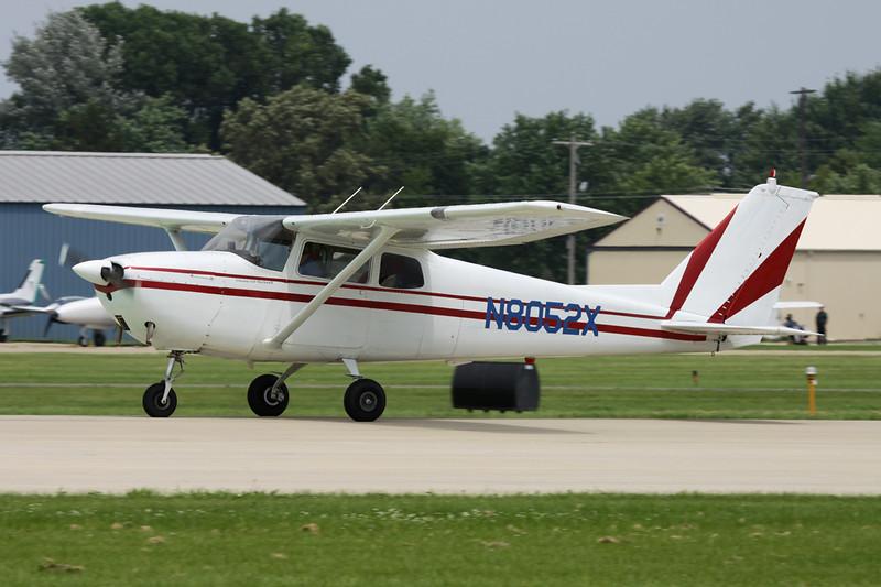 N8052X Cessna 172B c/n 172-48552 Oshkosh/KOSH/OSH 27-07-10