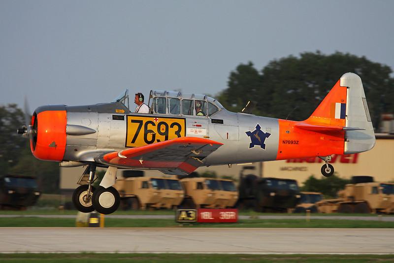 N7693Z (7693) North American AT-6C Texan c/n 88-11637 Oshkosh/KOSH/OSH 29-07-10