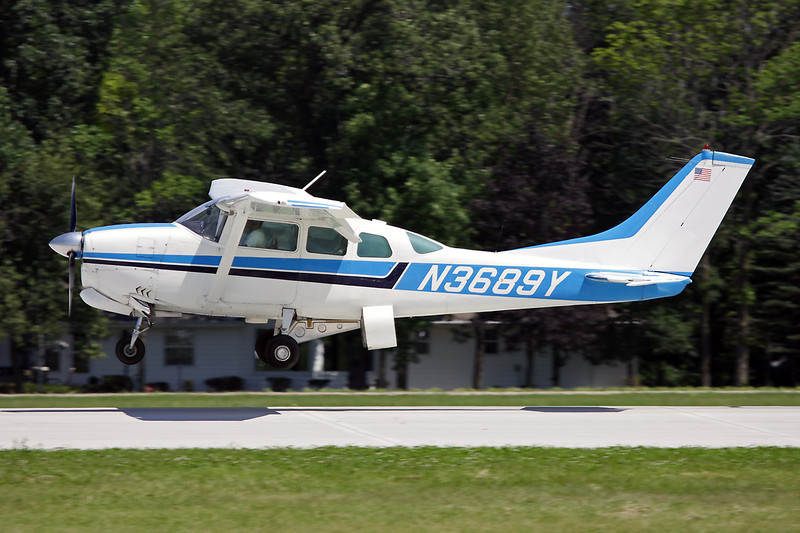 N3689Y Cessna 210C Centurion c/n 210-58189 Oshkosh/KOSH/OSH 26-07-10