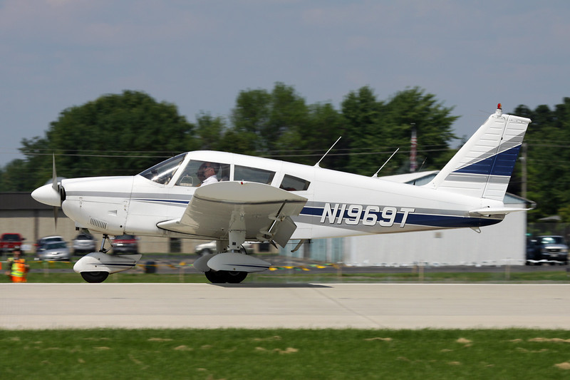 N1969T Piper PA-28-180 Cherokee F c/n 28-7105199 Oshkosh/KOSH/OSH 29-07-10