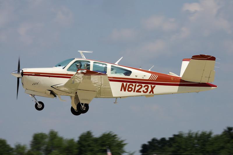 N6123X Beech V35B Bonanza c/n D-10385 Oshkosh/KOSH/OSH 29-07-10