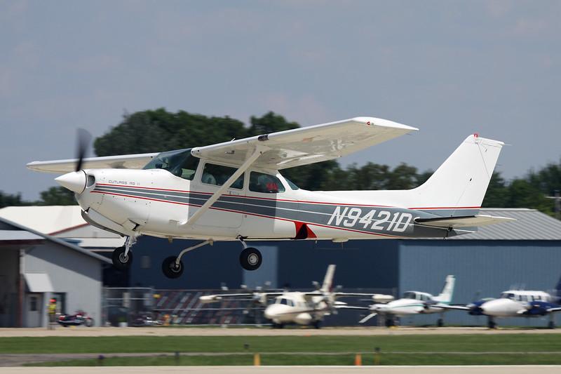 N9421D Cessna 172RG Cutlass c/n 172RG-1154 Oshkosh/KOSH/OSH 29-07-10