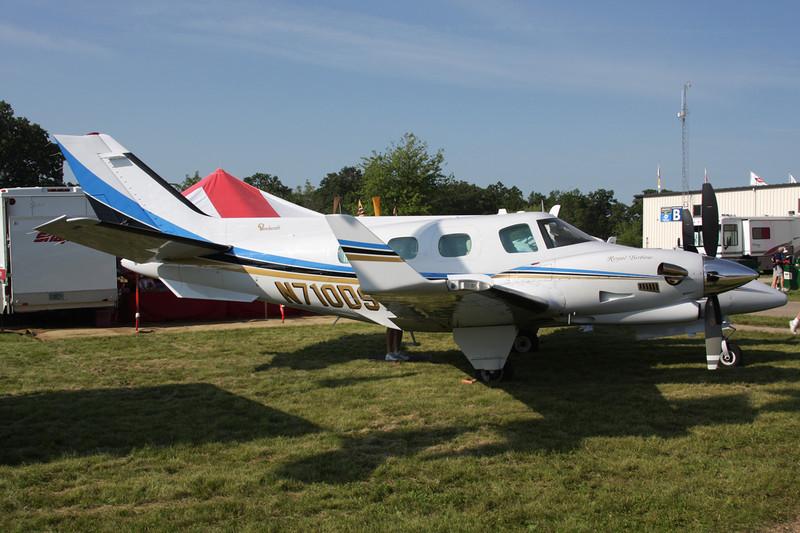 N710DS Beech B60 Duke c/n P-594 Oshkosh/KOSH/OSH 27-07-10