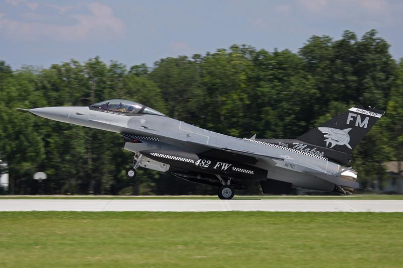 "87-0290 (FM) General Dynamics F-16C Fighting Falcon ""United States Air Force"" c/n 5C-551 Oshkosh/KOSH/OSH 26-07-10"