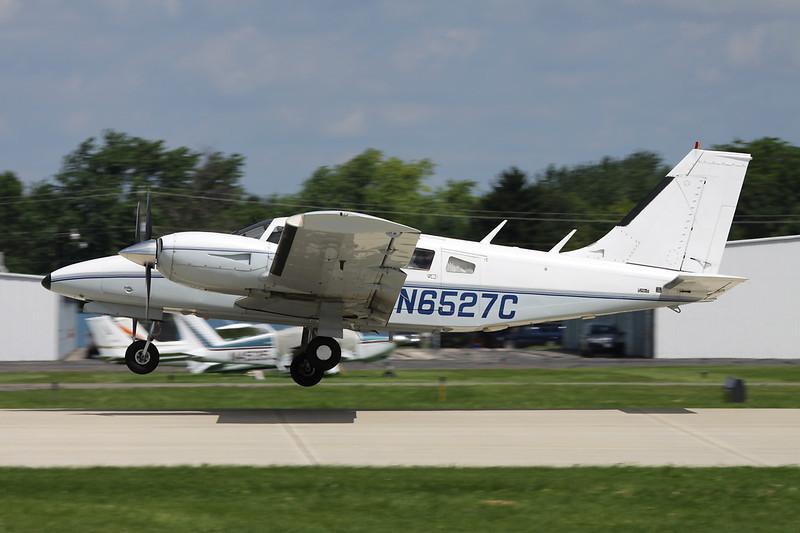 N6527C Piper PA-34-200T Seneca II c/n 34-7870163 Oshkosh/KOSH/OSH 28-07-10