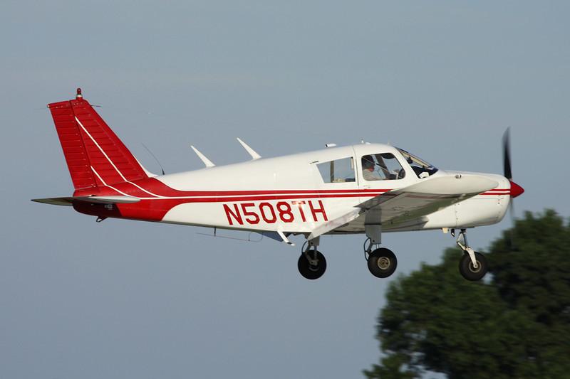N508TH Piper PA-28-140 Cherokee c/n 28-22869 Oshkosh/KOSH/OSH 26-07-10